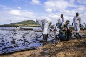 Способы ликвидации разлива нефти